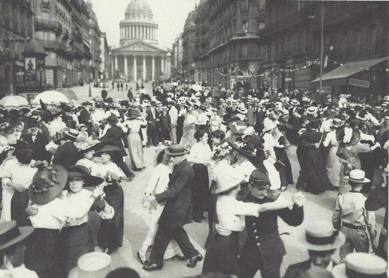 Paris - dancing tango in 1912
