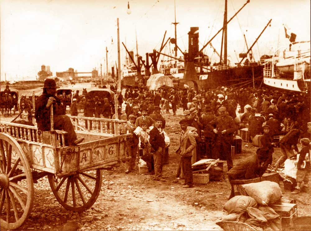 Immigrants in Buenos Aires at the end of 1800s