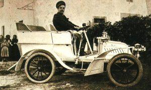 Puccini DeDion-Bouton 1902